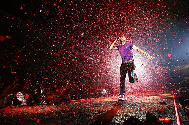 coldplay-performs-in-Sydney-dec-2016-billboard-1548